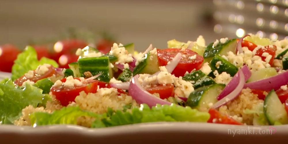 Средиземноморский салат с киноа