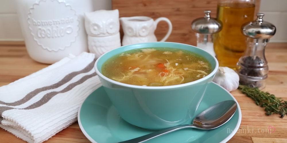 Домашний суп куриный с лапшой