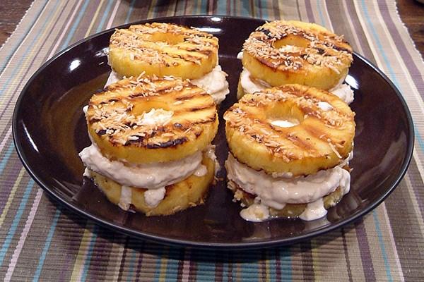 замороженный йогурт с ананасами