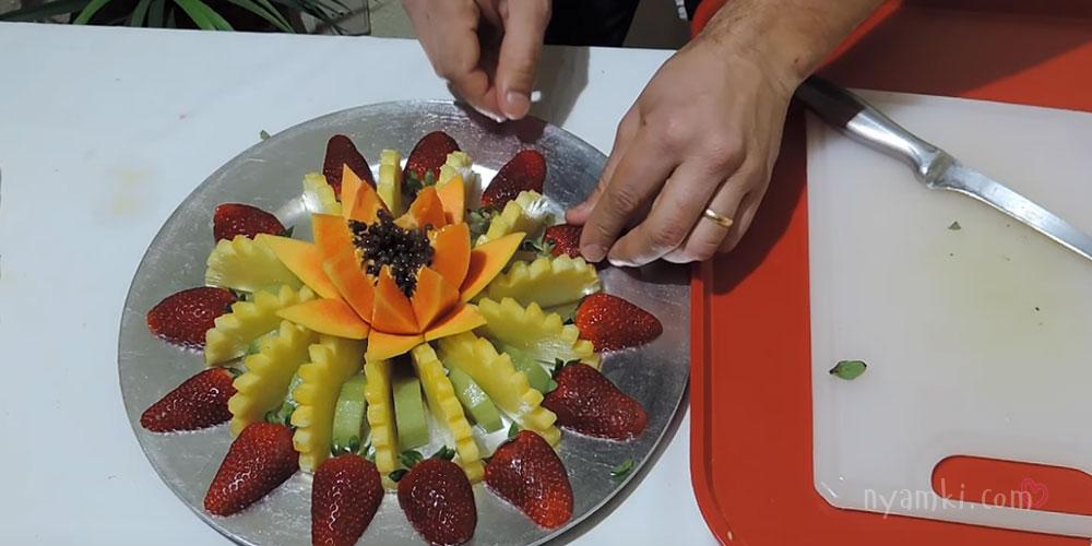 украшение ананаса