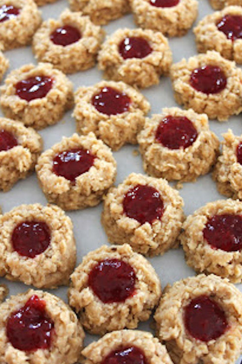 Овсяное печенье без выпечки с джемом